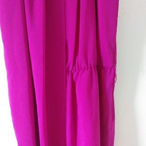 Vince Camuto Dresses - Vince Camuto bright pink gathered dress